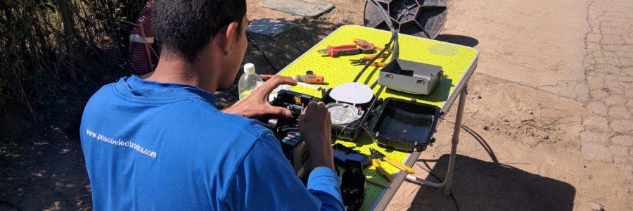 Operadora de proximitat en primera línia tecnològica
